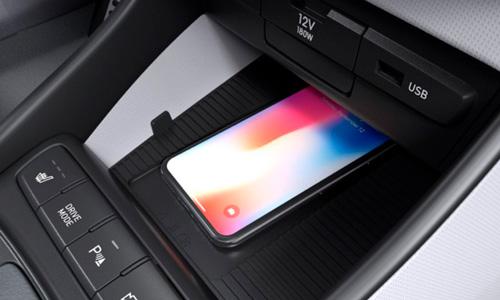 Hyundai BAYON belaidis išmanių telefonų krovimas