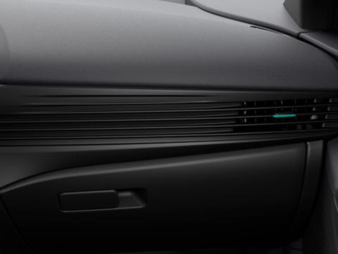 Naujasis Hyundai BAYON juoda žalia perlamutro