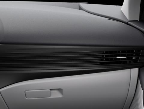 Naujasis Hyundai BAYON tamsiai šviesiai pilka