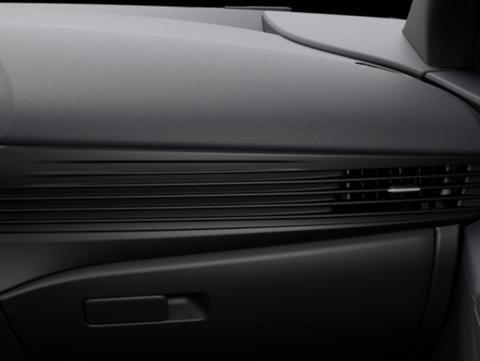 Naujasis Hyundai BAYON visiškai juoda
