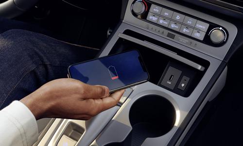 Hyundai KONA Electric MY21 belaidis įkrovimas