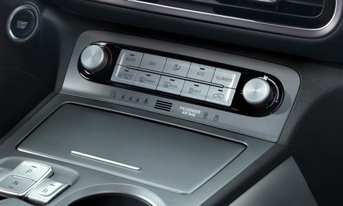 Hyundai KONA Electric automatinė klimato kontrolė