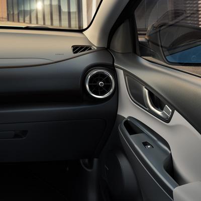 Hyundai KONA Electric dviejų atspalvių pilka