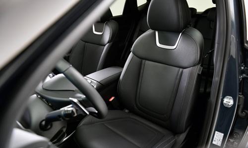 Naujasis Hyundai Tucson patogumas vėdinamos ir šildomos sėdynės