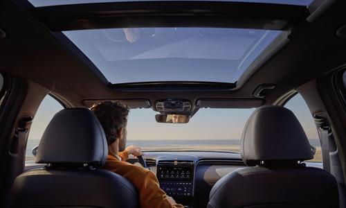 Naujasis Hyundai Tucson panoraminis stogas