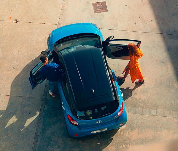 Hyundai i10 efektingas spalvų kontrastas