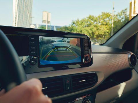 Naujasis Hyundai i10 galinio vaizdo kamera