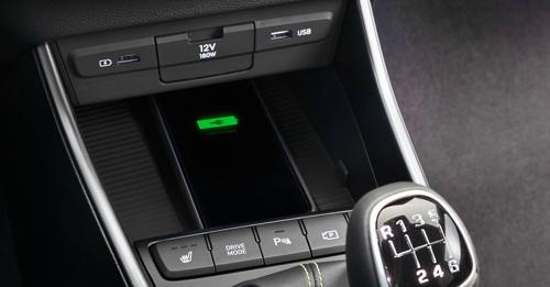 Naujasis Hyundai i20 my21 belaidis telefonų įkrovimas