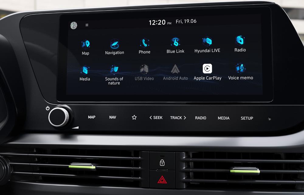 Naujasis Hyundai i20 salonas jutiklinis ekranas