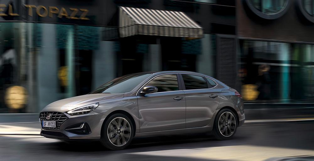 Naujasis Hyundai i30 fastback my21 dinamiškas vairavimas