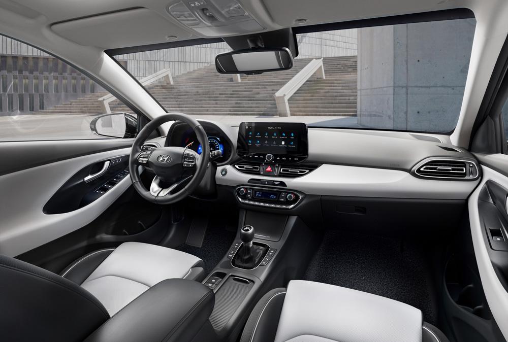 Hyundai i30 wagon my21 naujos sedynių spalvos ir medziagos