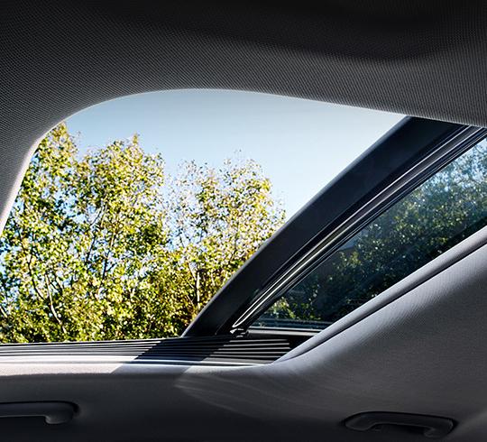 Hyundai i30 Fastback  komfortas panoraminis stoglangis