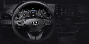 Hyundai i30 Fastback  multifuinkcinis vairas