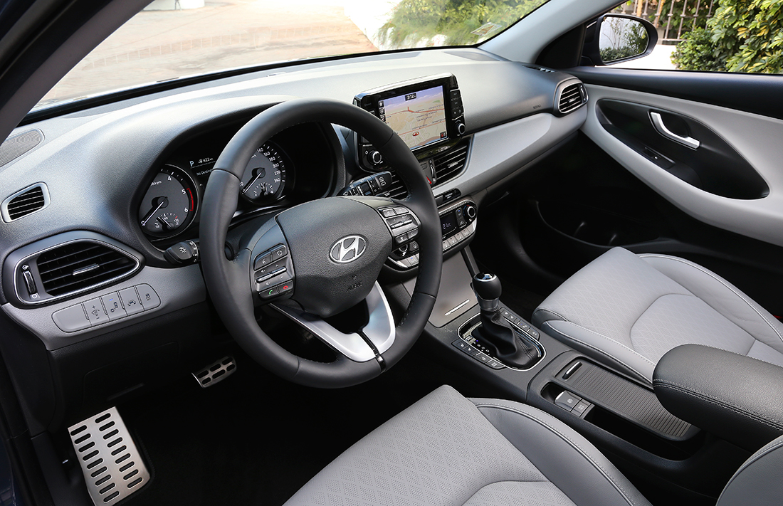 Hyundai i30 wagon universalas fakto auto salone salonas