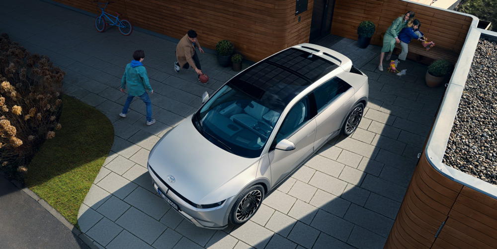 Naujasis Hyundai IONIQ 5 saulės energijos naudojimas
