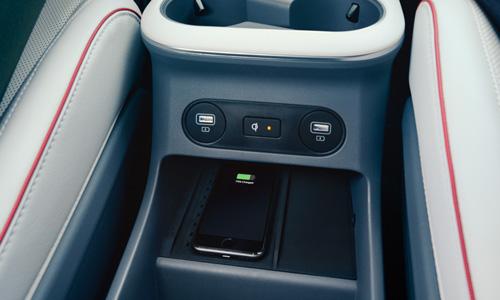 Hyundai IONIQ 5 belaidis telefonų krovimas