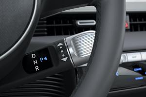 Hyundai IONIQ 5 pavar7 perjungimas ant vairo