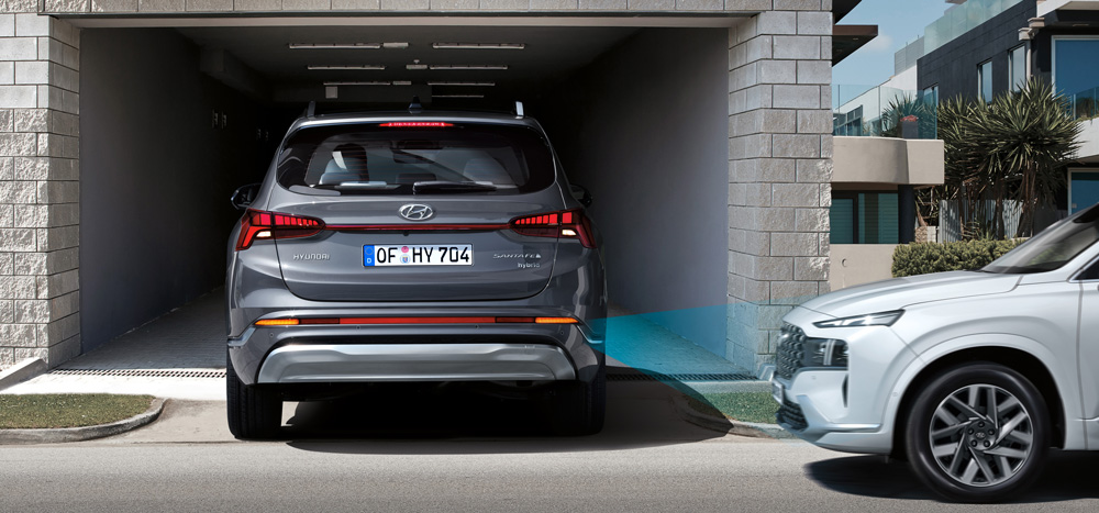 Naujasis Hyundai Santa Fe MY21 sauga atbulinio susidurimo vengimas