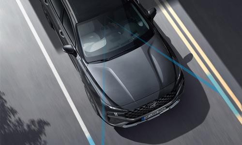 Naujasis Hyundai Santa Fe MY21 eismo juostos išlaikymo sistema